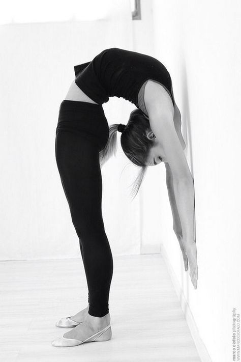 5 Have-an-Awesome-Morning Stretches Starting with