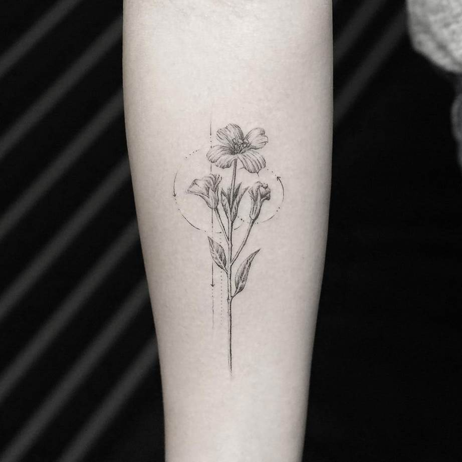 Photo of Tiny Floral Tattoo Inspiration