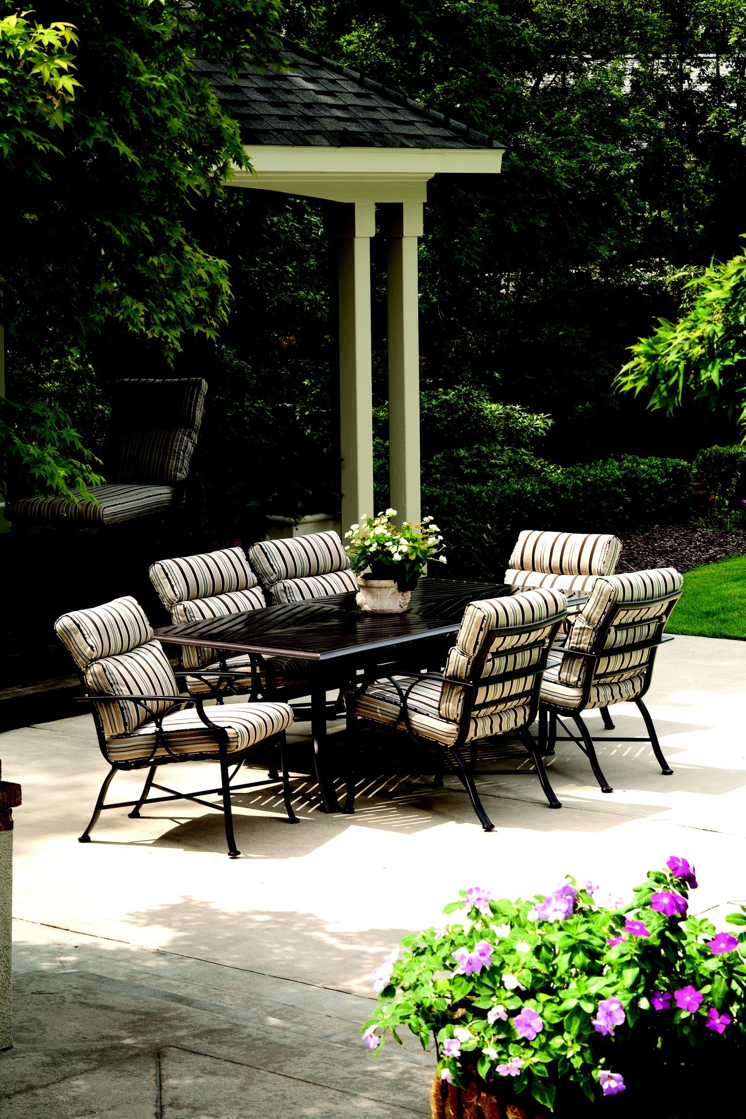 Exeter Cushion Collection From Winston Furniture Quality Outdoor Furniture Contemporary Outdoor Furniture Patio