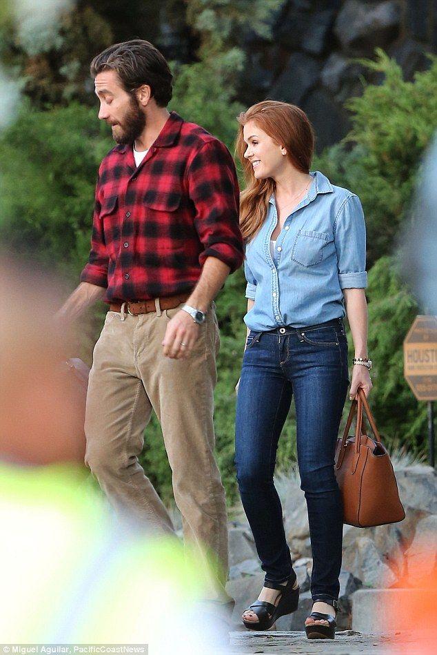 Jake Gyllenhaal and Isla Fisher start filming movie
