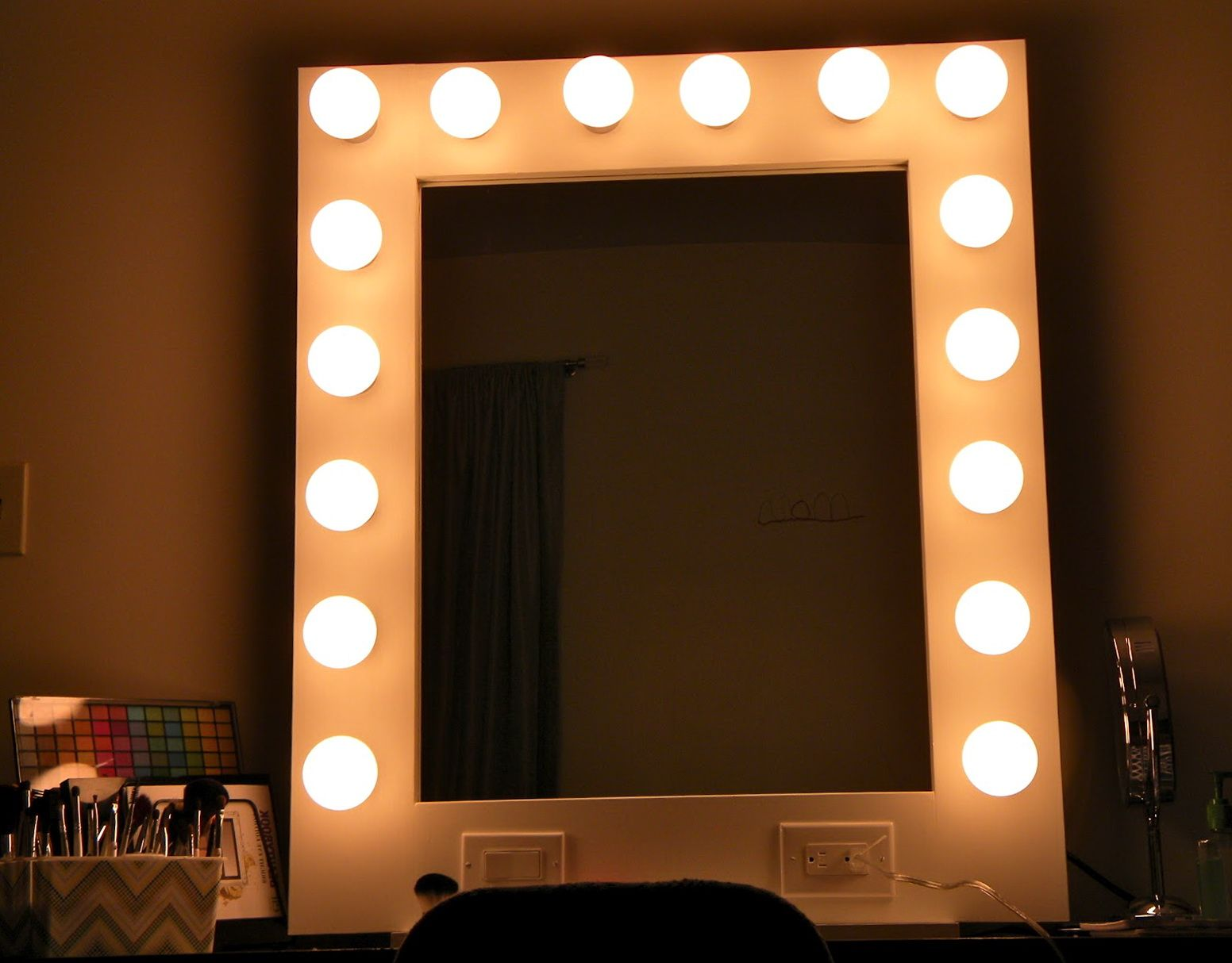 Mirror With Light Bulbs Ikea Home Design Ideas Mirror