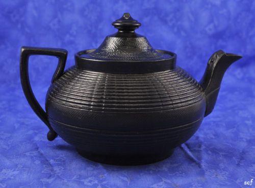 Antique-Jackfield-Pottery-Tea-Pot-Black-Earthenware