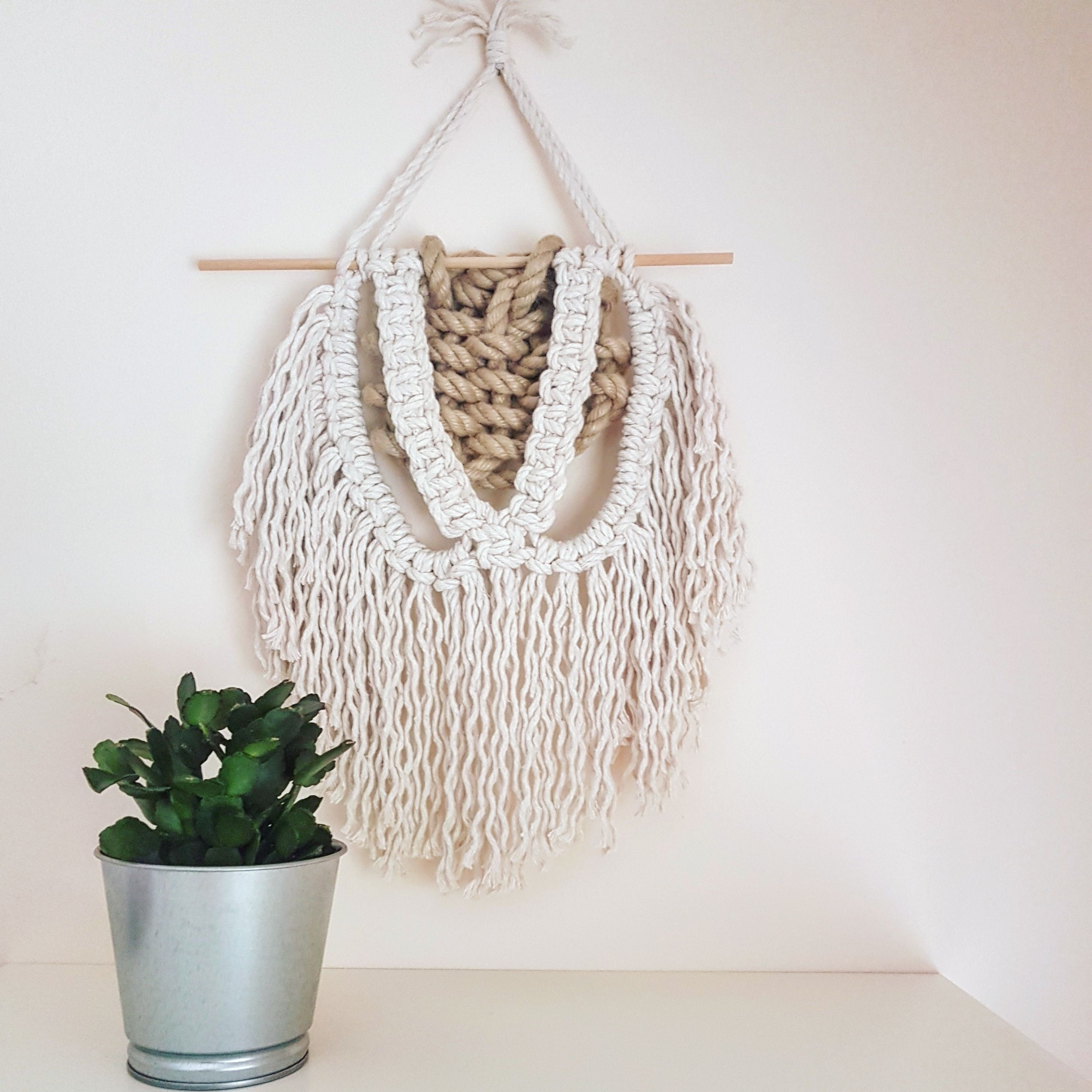 Give Your Room Fresh Look With This Beauty Wall Hanging