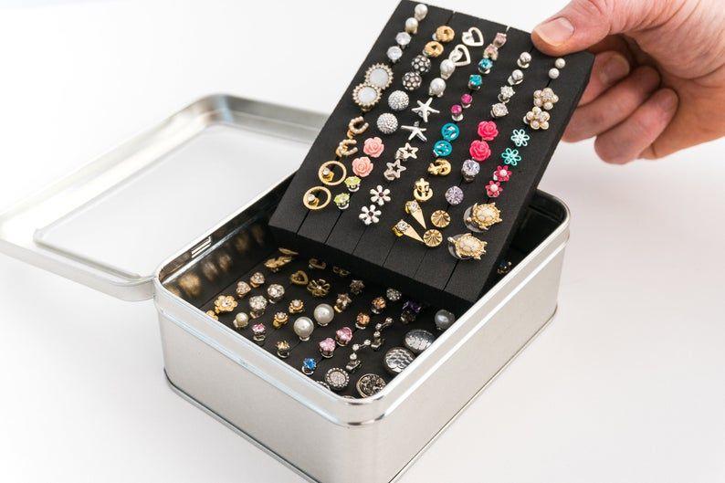 Tin Jewelry Box Earring Holder Travel Jewelry Box Earring Etsy In 2020 Travel Jewelry Box Jewelry Box Diy Diy Jewelry Holder