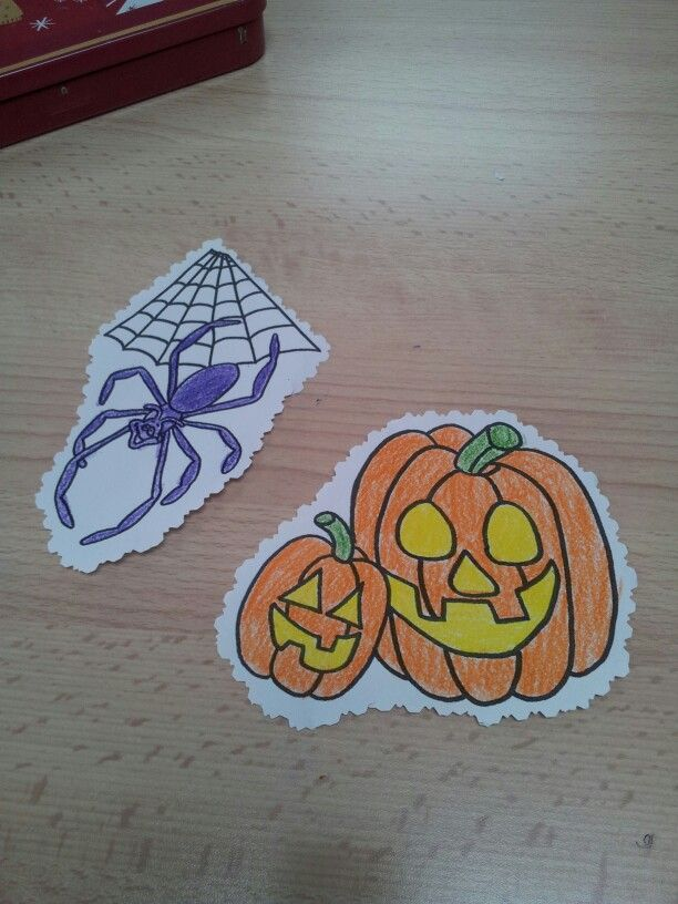 Dibujos de Halloween para decorar nuestra clase. Esta actividad fue propuesta por nuestra profesora de inglés, y lo cierto es que lo pasamos de miedo ^^