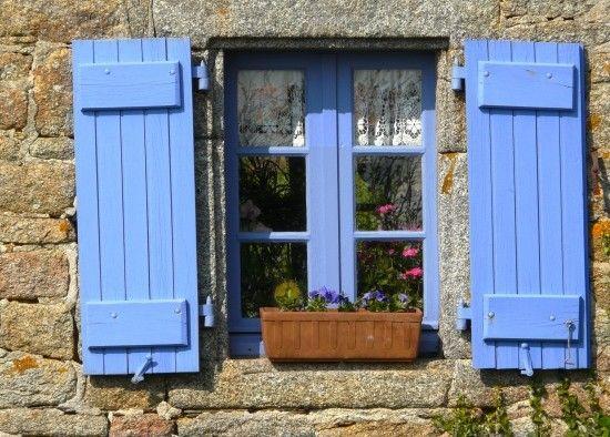 couleurs d 39 aujourd 39 hui pour les vieilles maisons. Black Bedroom Furniture Sets. Home Design Ideas