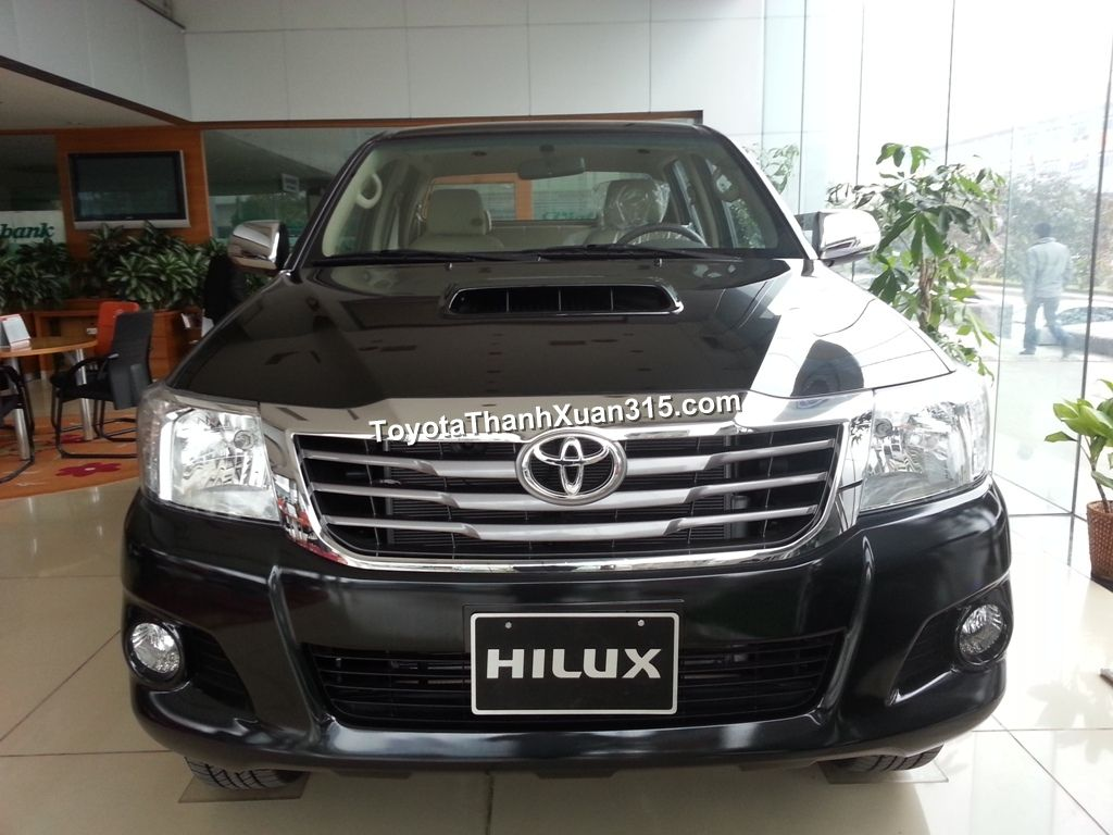 2014 toyota hilux 2014 front view