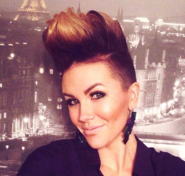 Hele Wilde Faux Hawk Kapsels Voor Pittige Dames Girl Short Hair Hair Today Short Hair Styles