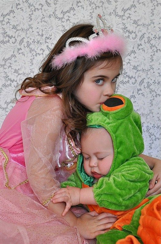 25 Baby and Toddler Halloween Costumes for Siblings Halloween - sisters halloween costume ideas