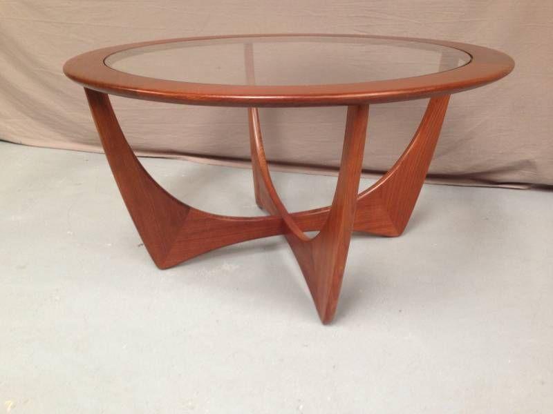 Table De Salon Vintage Chez Helen Antiquites Tablebasse Tablevintage Table Basse Table Basse Vintage Table De Salon