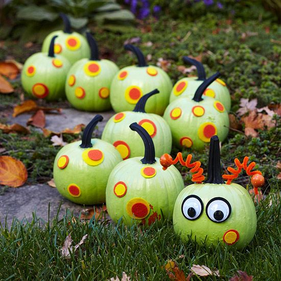 Caterpillar Pumpkin Chain! I'm gonna have way too much fun this October with pumpkin decorating.