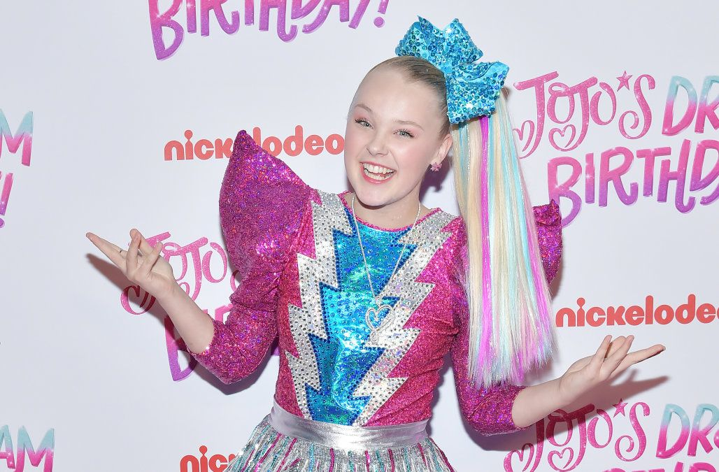 Claire's recalls JoJo Siwa makeup set after FDA finds