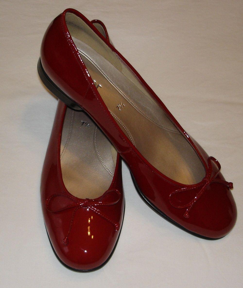 Natürlich brauchte ich auch die passenden Schuhe zum Buch! Und bequem sind sie auch. Wie gefallen sie euch?