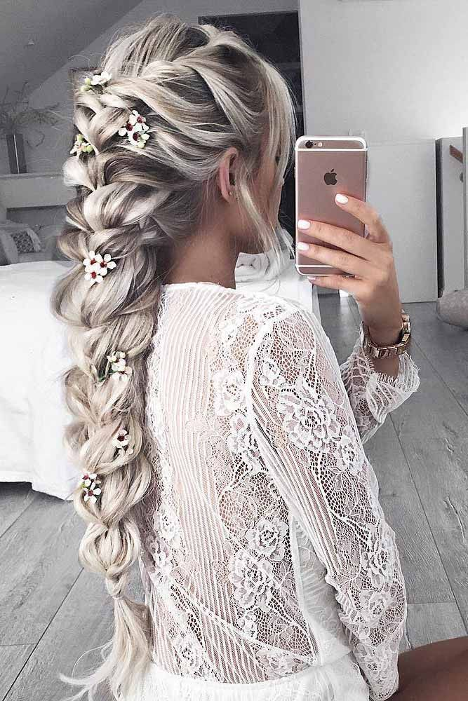 40 Dreamy Homecoming Hairstyles Fit For A Queen Hair Styles Long Hair Styles Wedding Hair Tips
