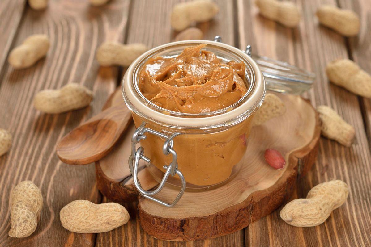ما هى استخدامات و فوائد زبدة الفول السوداني Homemade Peanut Butter Peanut Butter Food