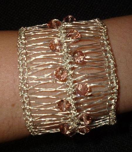 divino bracelete em fio de cobre