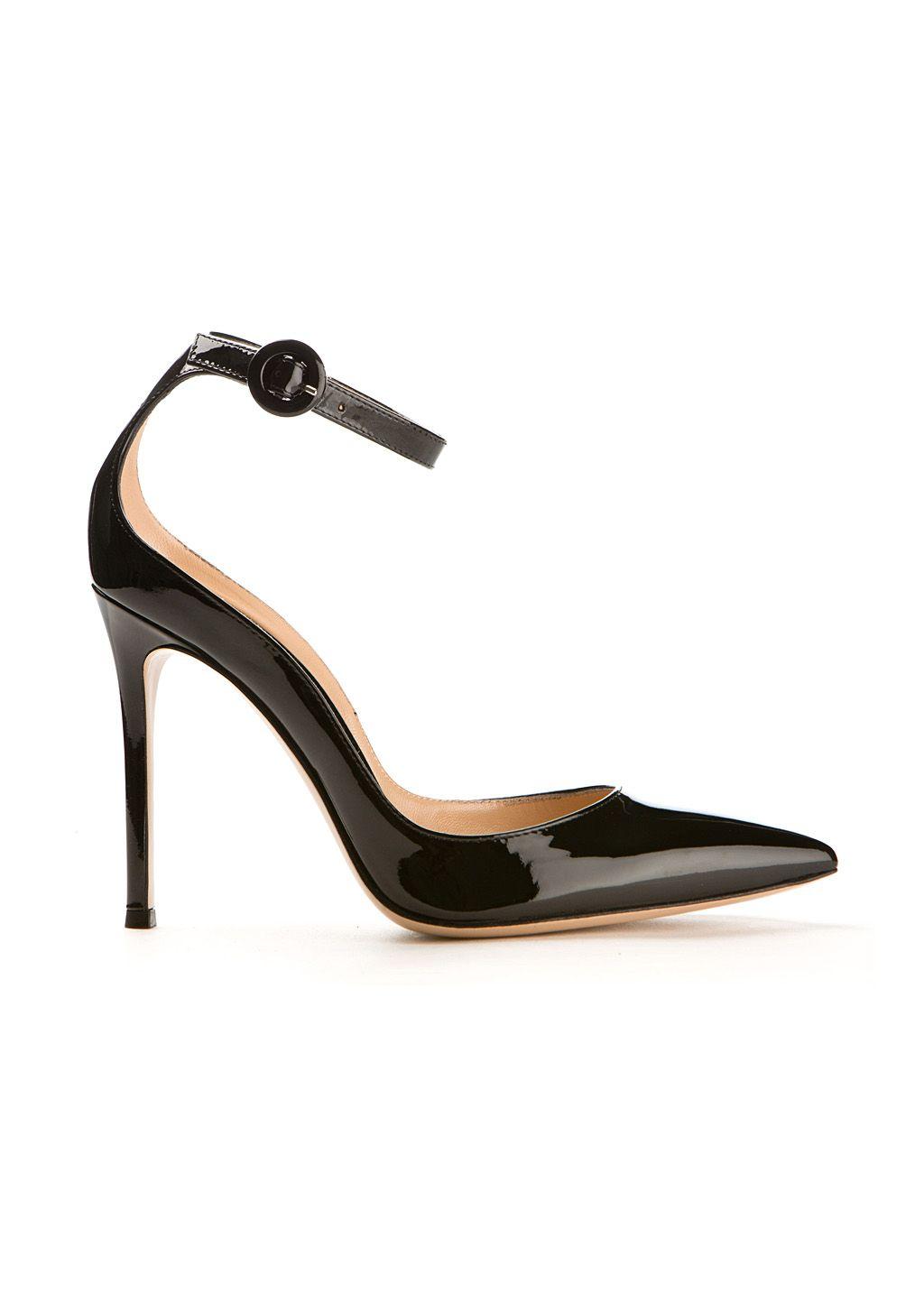 GIANVITO ROSSI Gianvito Rossi Sofia Black Patent Leather Pumps. #gianvitorossi #shoes #