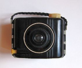 Vintage Bakelite Baby Brownie Camera
