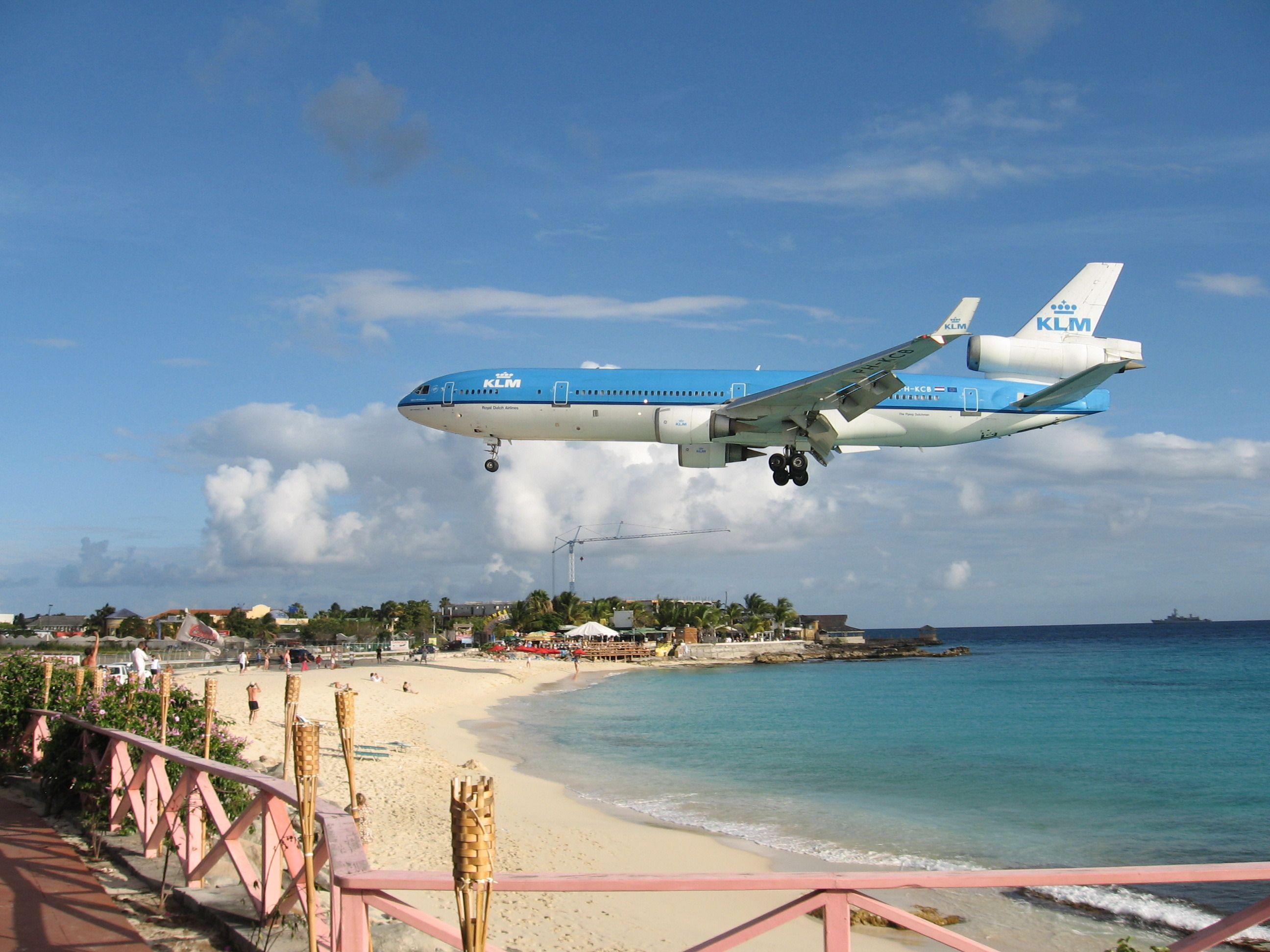 Planes landing at the Princess Juliana Airport, St. Maarten - KLM MD-11.