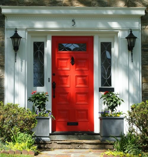 Red Front Door As Surprising Design For Modern Home Amaza
