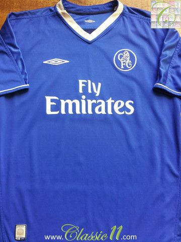 e689cbf99 Relive Chelsea s 2002 2003 season with this vintage Umbro home football  shirt.