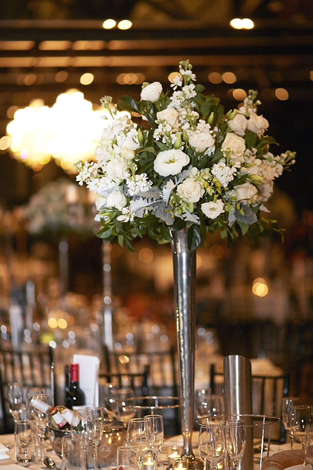 Tall glass Wedding Centerpieces | itakeyou.co.uk