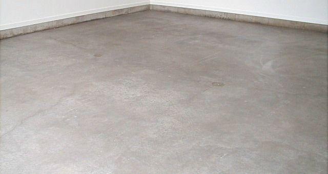 Garage Floor Sealers From Acrylic To Epoxy Coatings All Garage Floors Garage Floor Coatings Concrete Garages Garage Floor