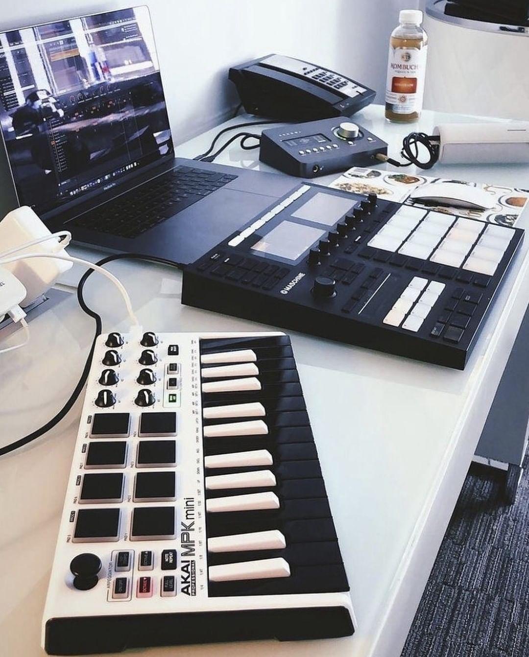 Akai Mpk Mini Mk2 Keyboard Synthesizer Akai Music Studio Room Home Recording Studio Equipment Home Recording Studio Setup