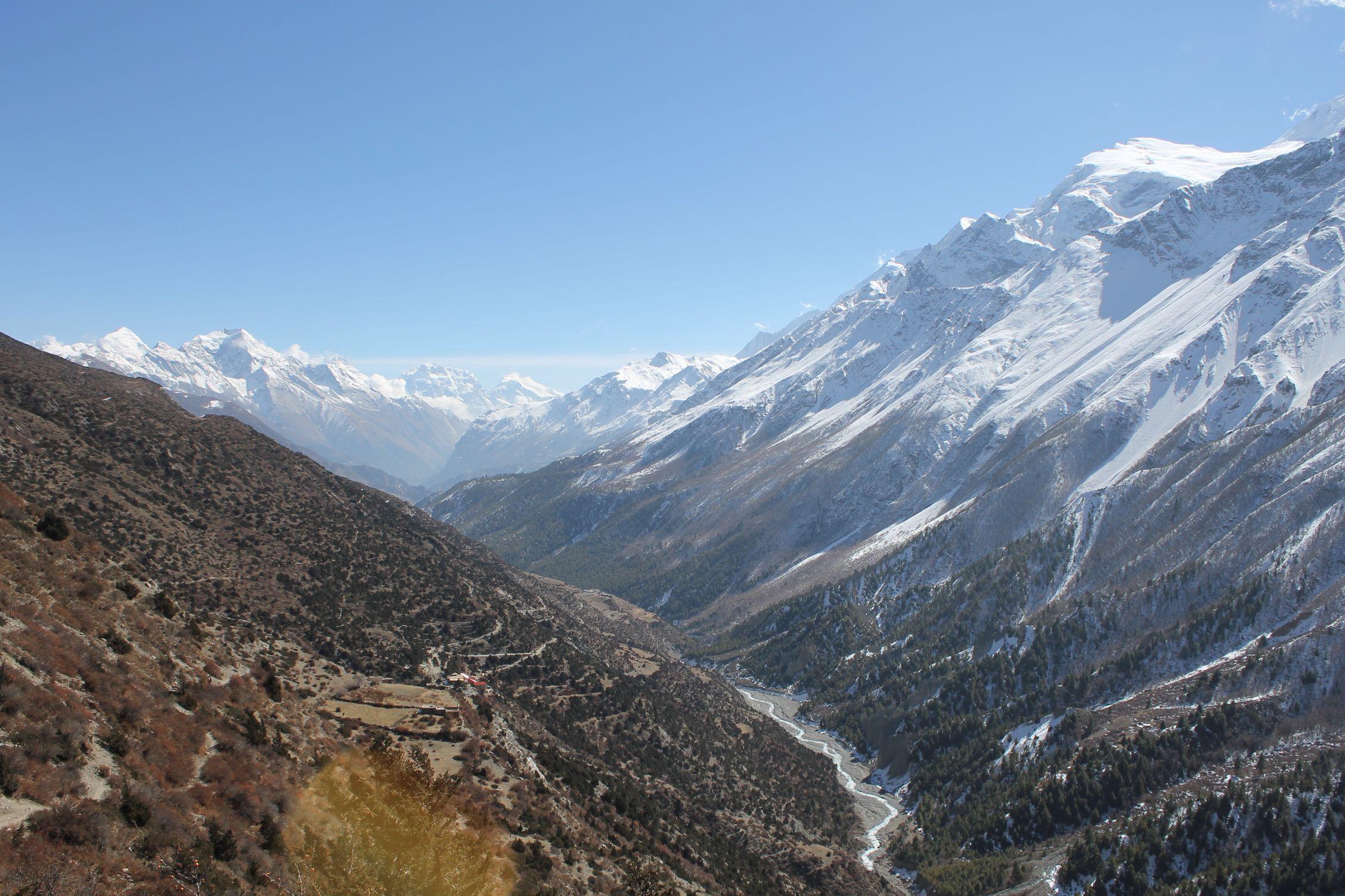 Los Himalayas nos rodean durante gran parte del trekking