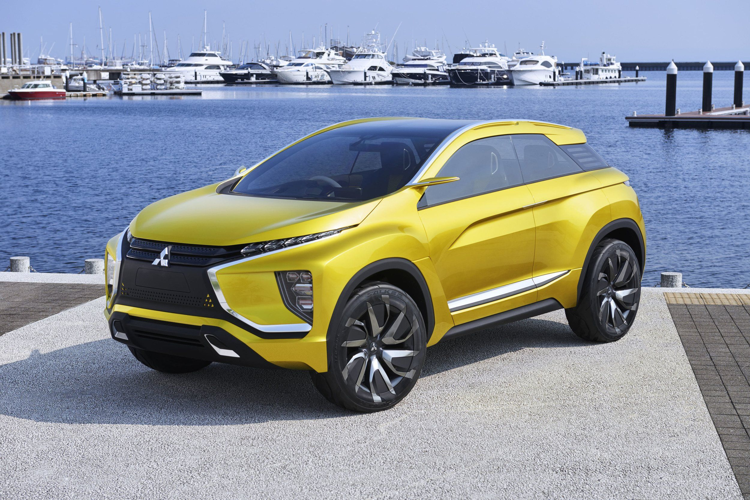 2021 Mitsubishi Outlander Spotted In Europe Wraps New Platform In Concept Inspired Body In 2020 Mitsubishi Outlander Mitsubishi Outlander Sport Outlander