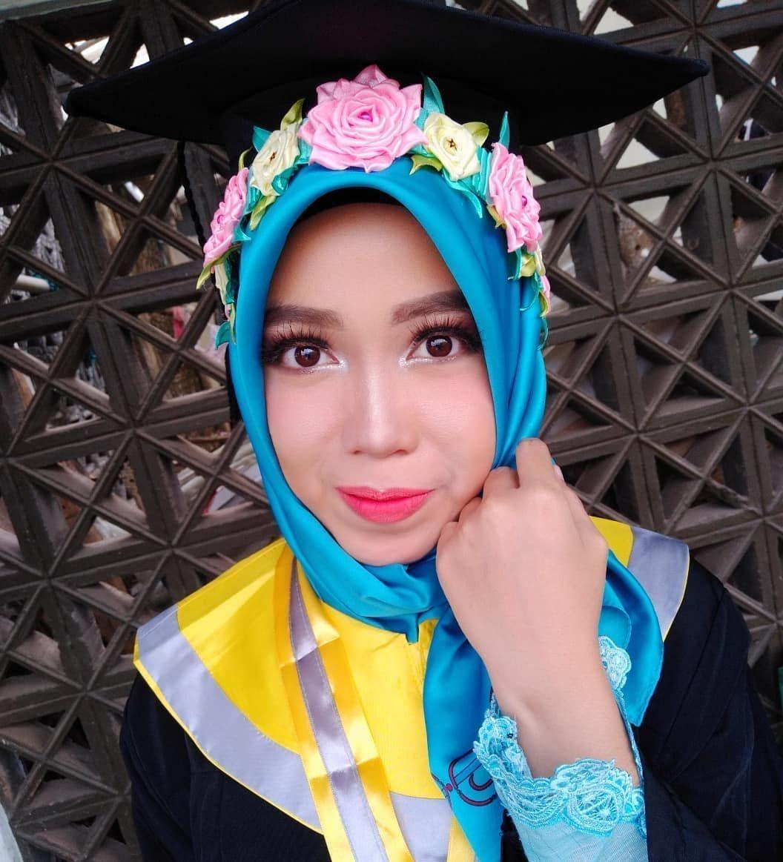 Talent nikmahnikmah418 (WISUDA UNEJ) Makeup nicke