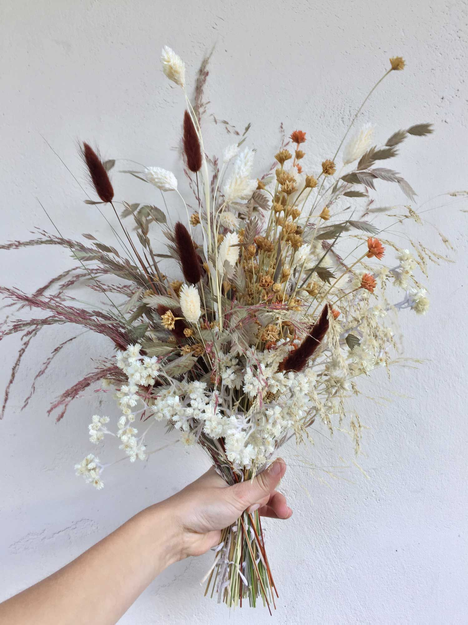Floral Designer Siri Thorson On How To Make The Most Of Indoor Displays During Months Of Precious Dried Flowers Dried Flower Bouquet Dried Flower Arrangements
