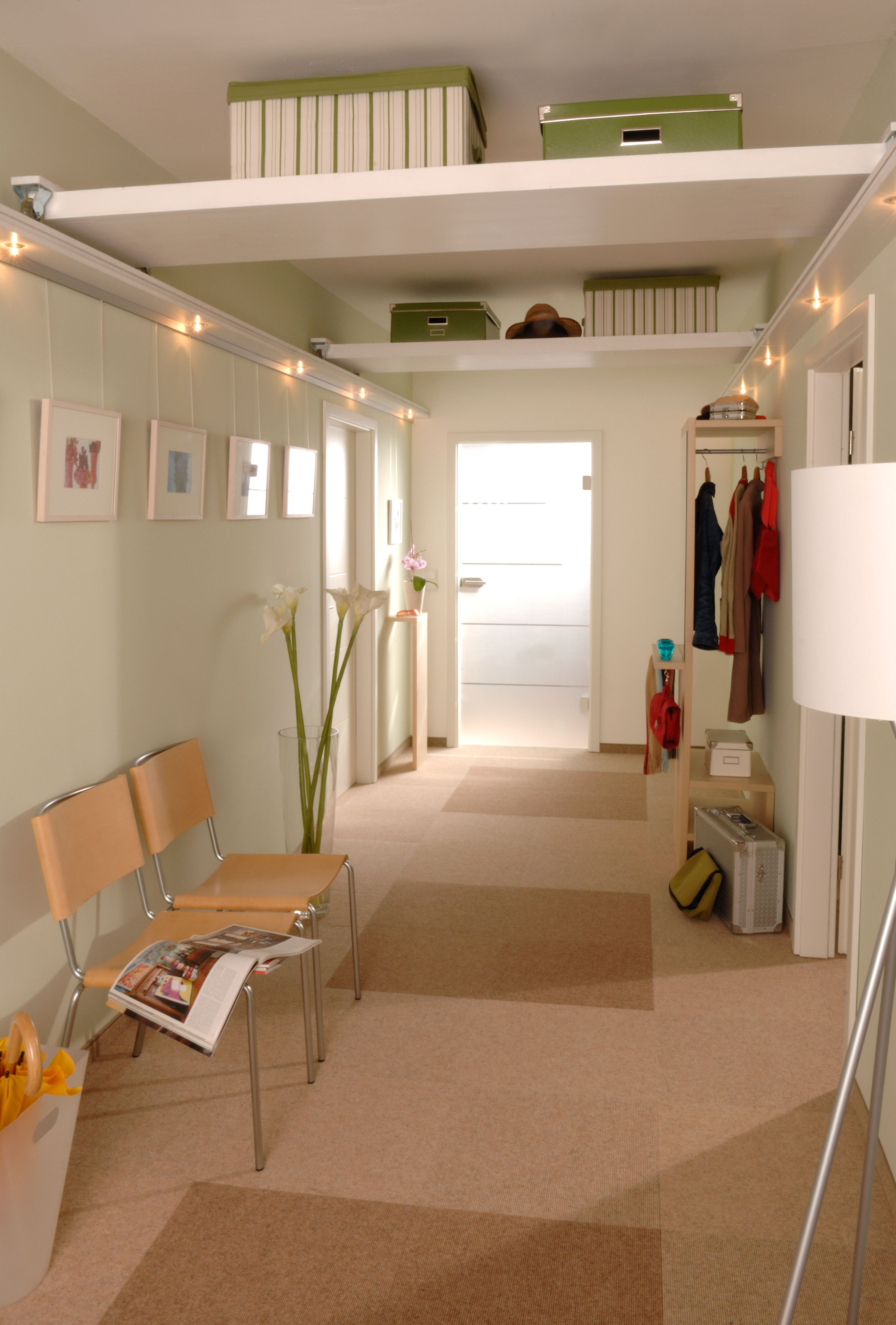 decke regal k che charmante inspiration h ngeregal k che und zufriedene decken. Black Bedroom Furniture Sets. Home Design Ideas