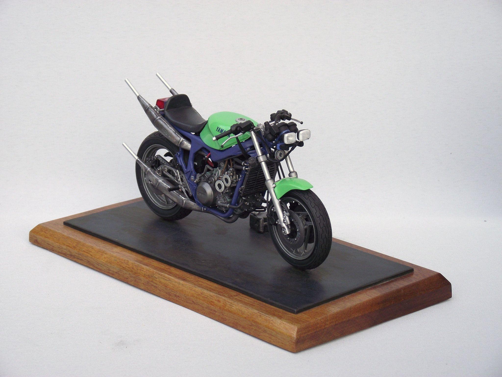 Scale Model Yamaha Motorbike 2 Yamaha Motorbikes Scale Models Motorcycle Model
