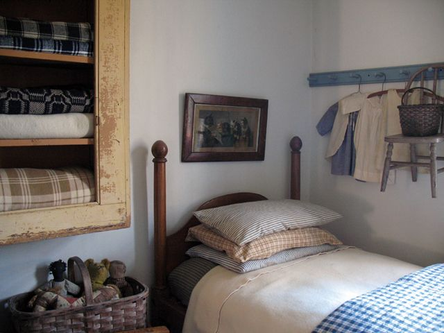 Build This Cozy Cabin Cozy Cabin Magazine Do It Yourself: Wall Cabinet For Quilts & Linens