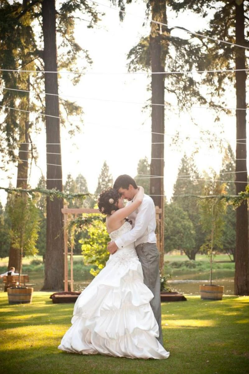 Crystal Springs Rhododendron Garden Weddings Price Out And Compare Wedding Costs For Ceremony Reception Venues In Portland Or