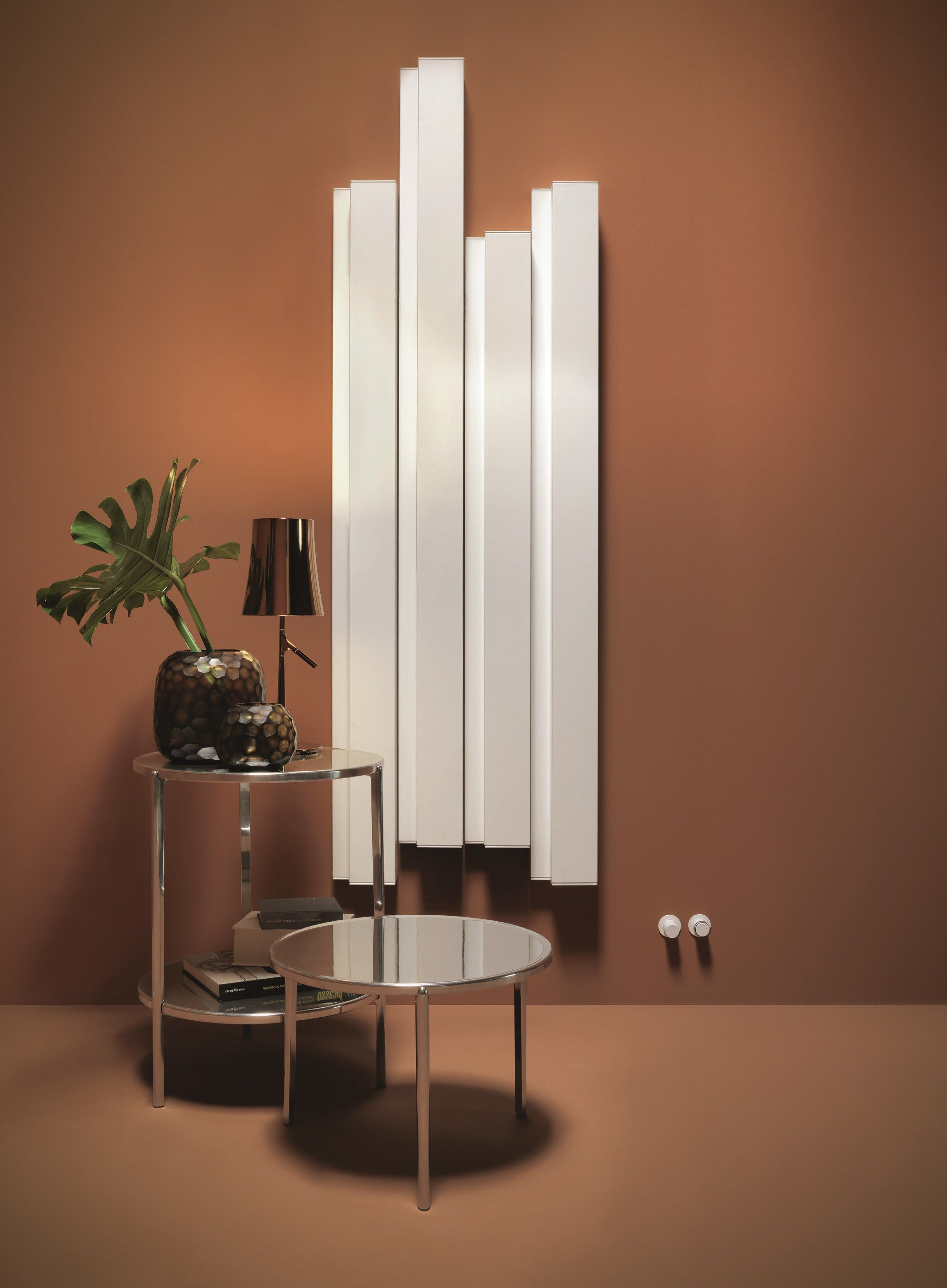 radiateur d coratif eau chaude vertical en aluminium. Black Bedroom Furniture Sets. Home Design Ideas