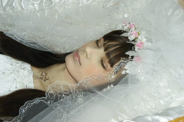 The Raven: Stunning Beauty from Russia dead in her casket ...