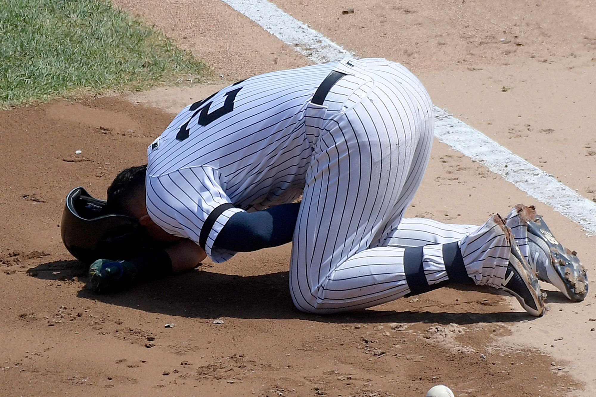 Crotch Shot To Yankees Surprise Hero Now Looms With Images Fitness Diet Fitness Motivation Yankees
