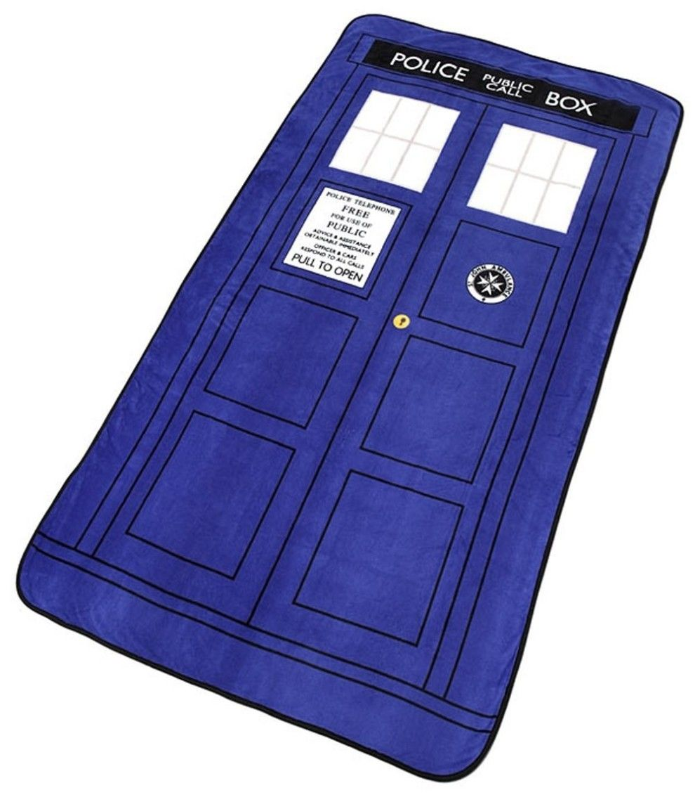 This Dr. Who TARDIS blanket that lets you transport out of cold and ...