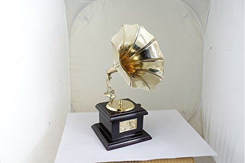 gramophone_001 RoyaltyLane http://www.amazon.com/dp/B01C6YC9QK/ref=cm_sw_r_pi_dp_gAN3wb0K6TM1D