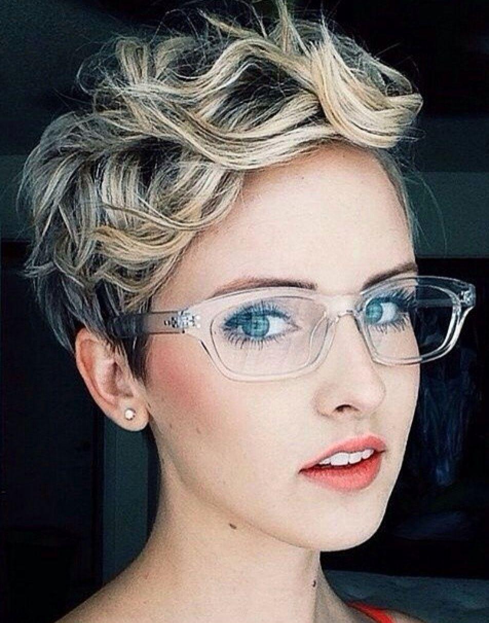 Clear frames;~)  Kurze haare stylen, Frisur langes gesicht, Pixie