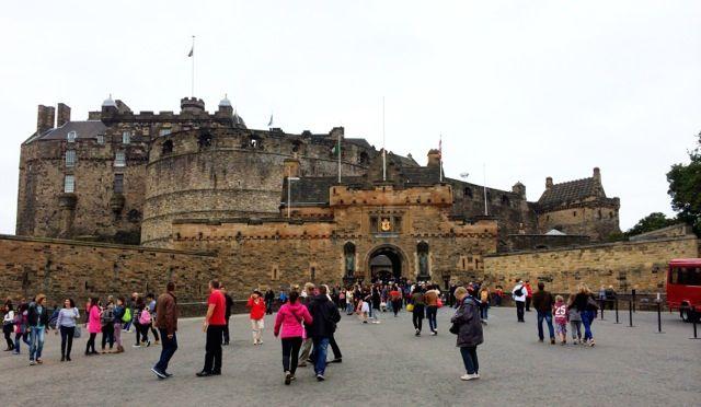Edinburgh Castle crowds