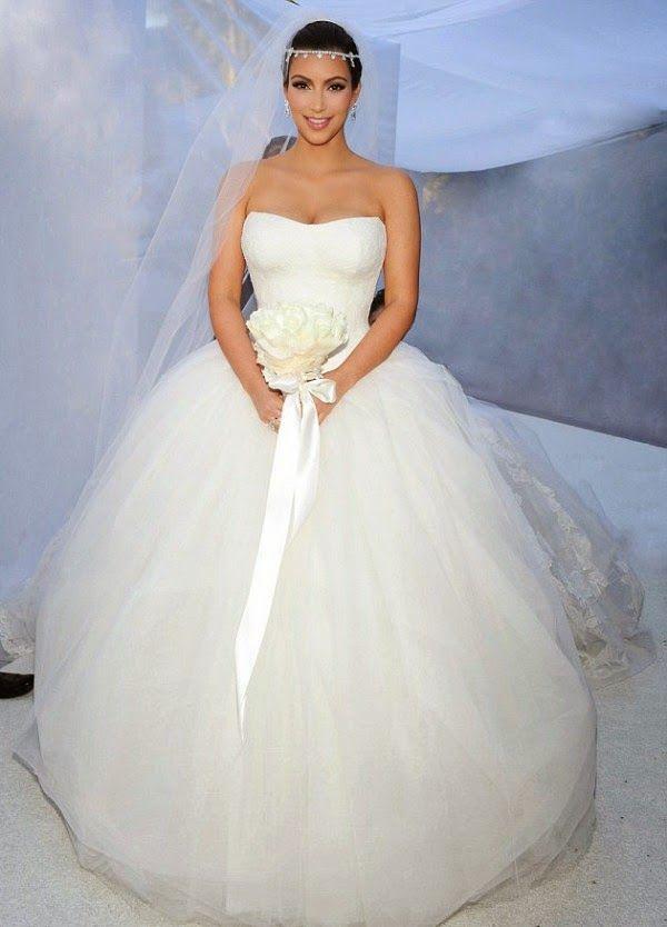 Kim kardashian vera wang wedding gown kim kardashian wore three kim kardashian vera wang wedding gown kim kardashian wore three vera wang wedding gowns on junglespirit Choice Image