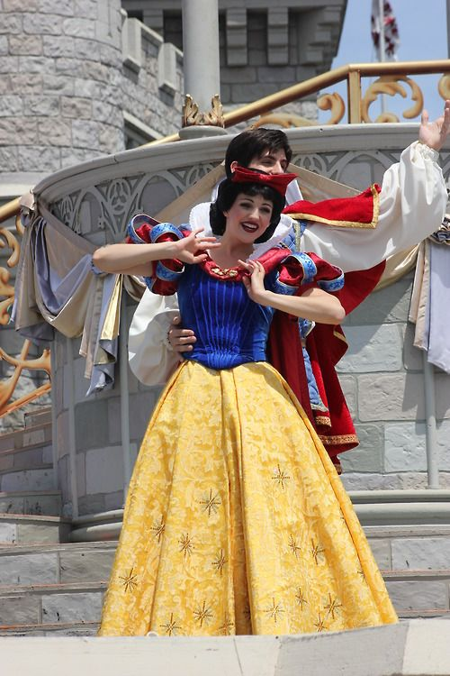 Snow White & the Prince from Snow White and the Seven Dwarfs
