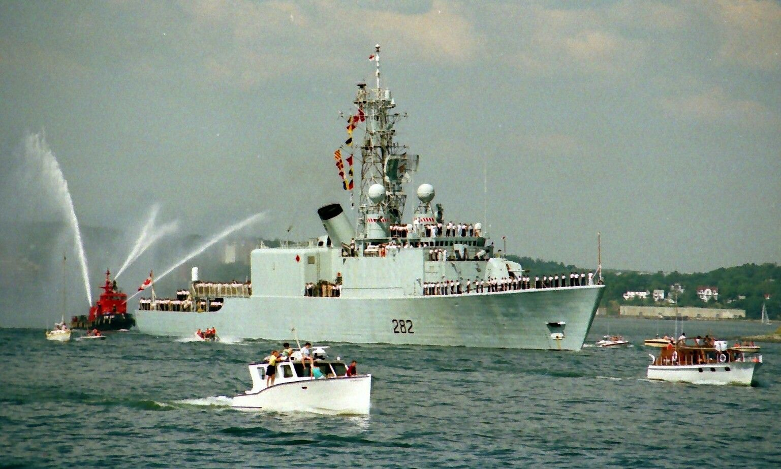 Hmcs Athabaskan Ddg 282 Sails From Halifax Nova Scotia In August 1990 As Part Of The Royal Canadian Nav Royal Canadian Navy Downtown Halifax Canadian Military