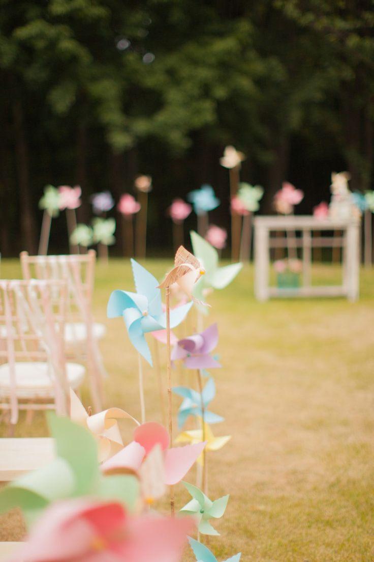 Pastellfarbene Vintage Waldhochzeit von Peter & Veronika Photography - Hochzeitswahn - Sei inspiriert