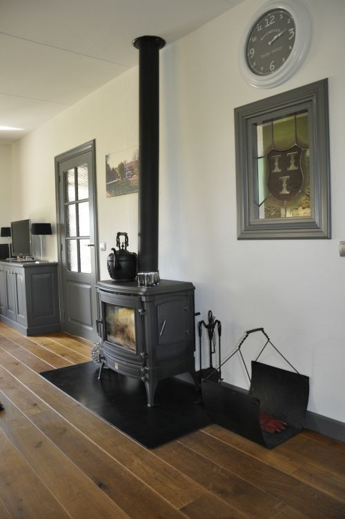 Warme kleur vloer - VRI interieur houtkachel - vloeren   Pinterest ...