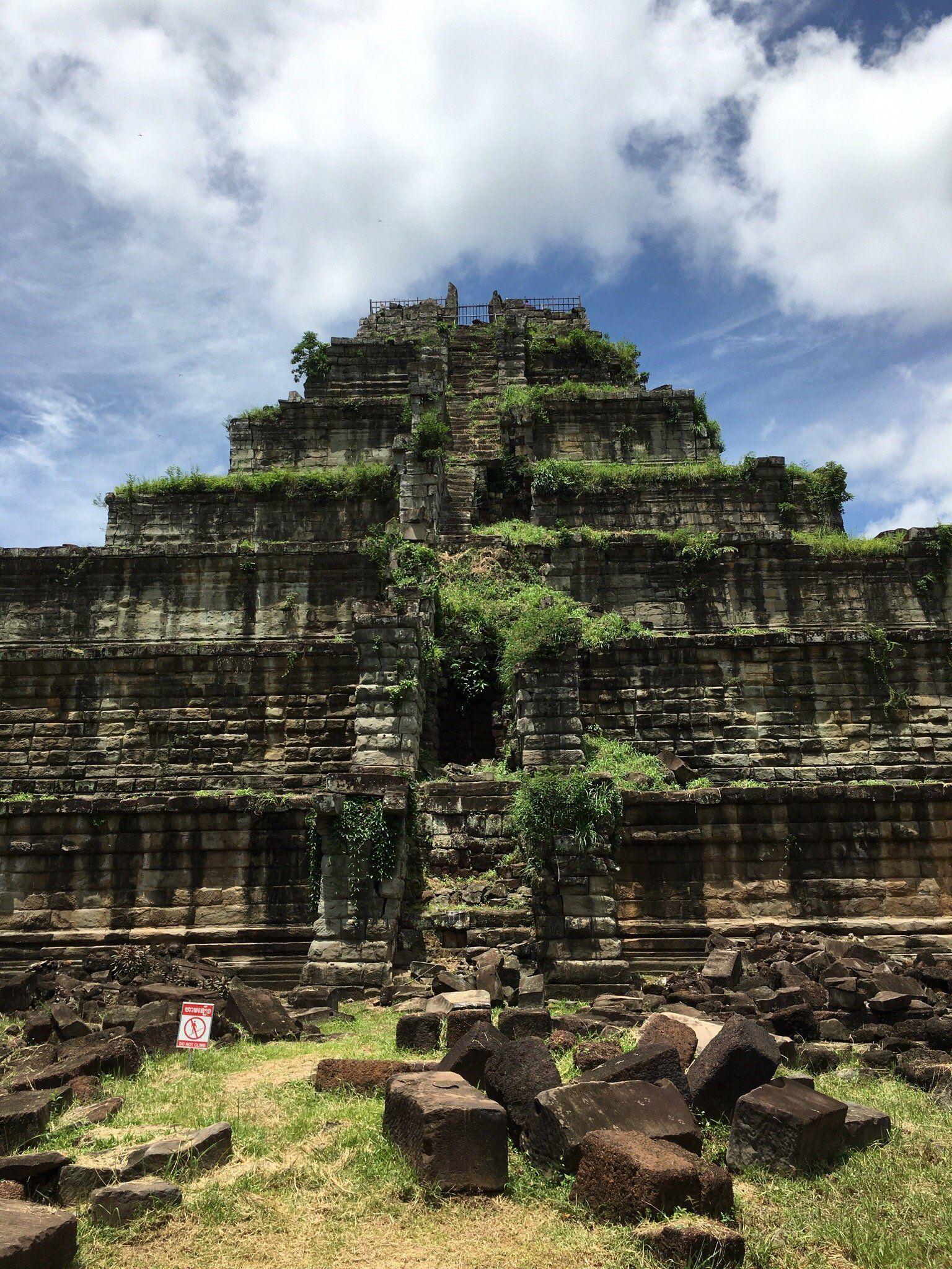 Prasat Thom - ngôi đền lớn nhất ở Kor Ker