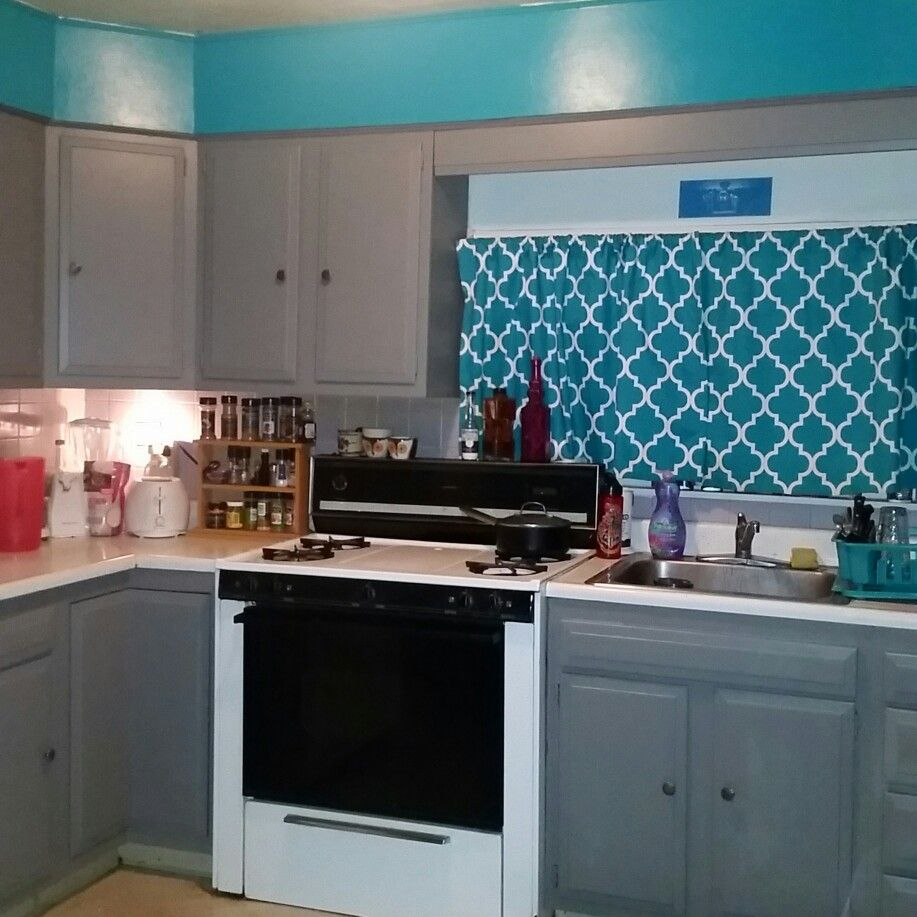 Best Repainted Kitchen Cabinets From Wood To Gray Glidden Paint 400 x 300